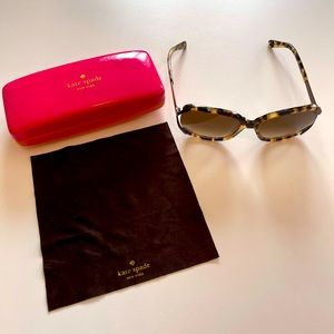 Kate Spade Sunglasses w/Case & Cleaning Cloth